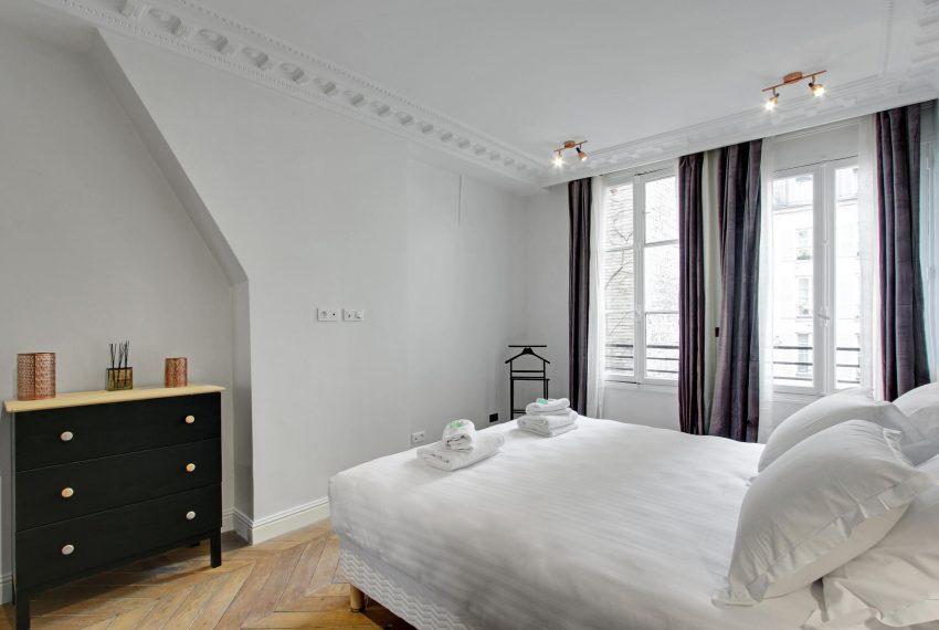 00010-RUE-DE-BUCI-SAINT-GERMAIN-DES-PRES-PARIS