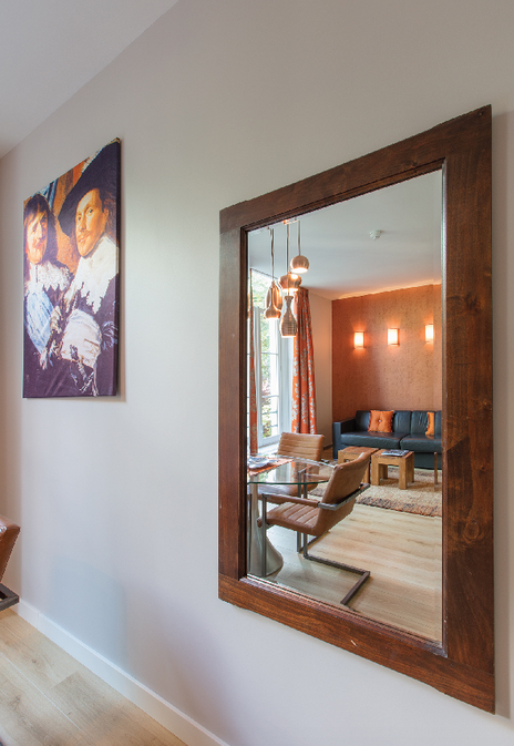 Romantic-apartment-on-famous-Keizersgracht-Canal-00003