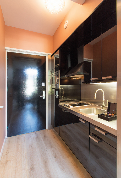 Romantic-apartment-on-famous-Keizersgracht-Canal-00005