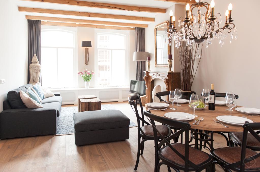 00001DE-PIJD-luxury-2-bedrooms-amsterdam
