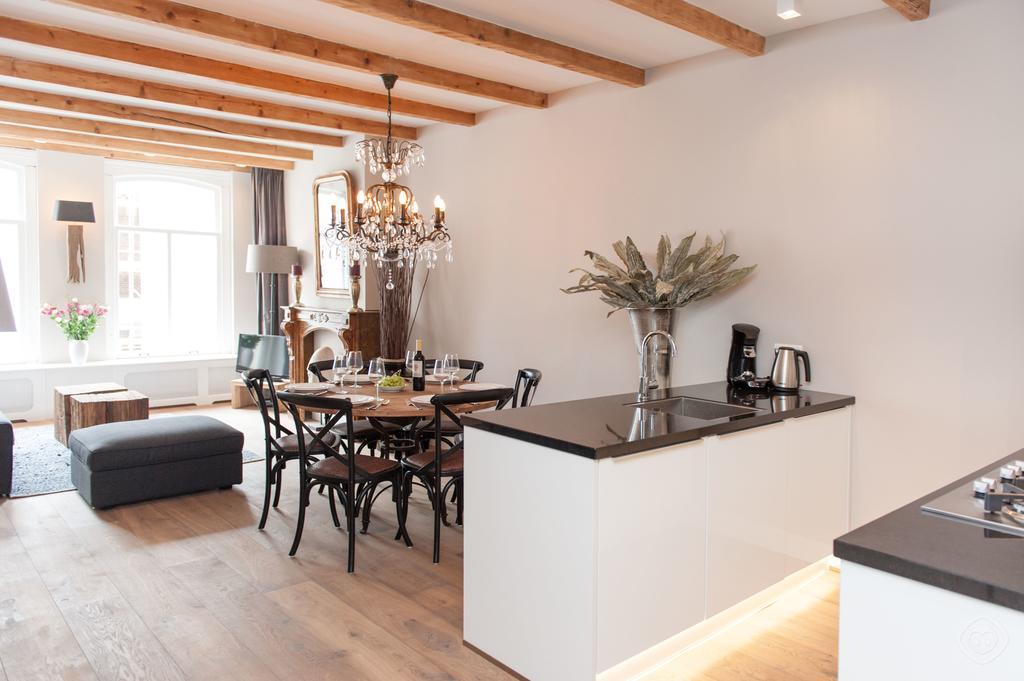 00003DE-PIJD-luxury-2-bedrooms-amsterdam
