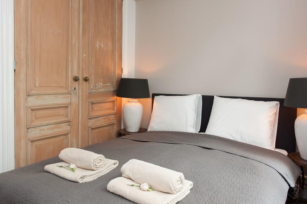 00010DE-PIJD-luxury-2-bedrooms-amsterdam