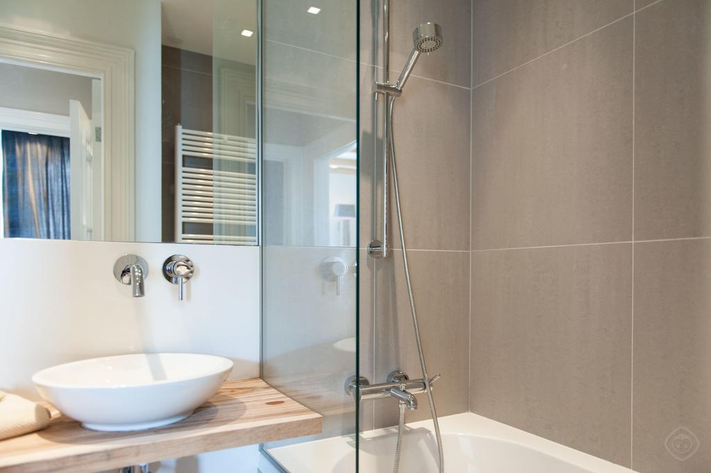 00015DE-PIJD-luxury-2-bedrooms-amsterdam