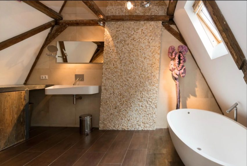 00005-LUXURY-PENTHOUSE-LOFT-CENTER-CANAL-VIEW-ON-SINGEL-CANAL-AMSTERDAM