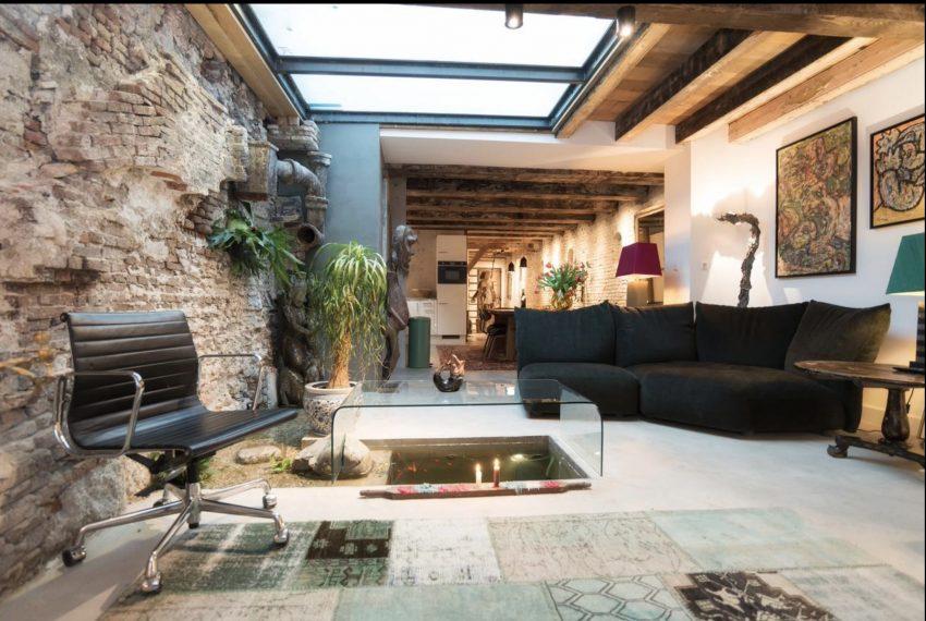 00001-art-lover-dutch-apartment