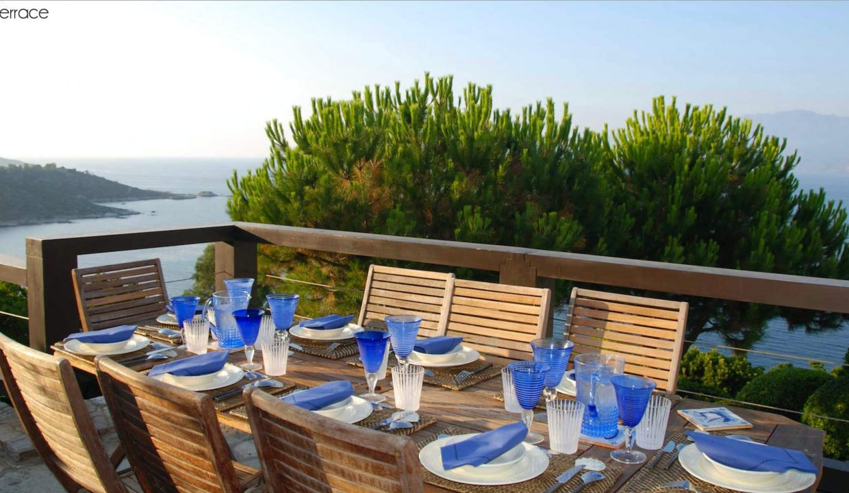 00017-LUXURY-VILLA-IN-SAINT-FLORENT-CORSICA
