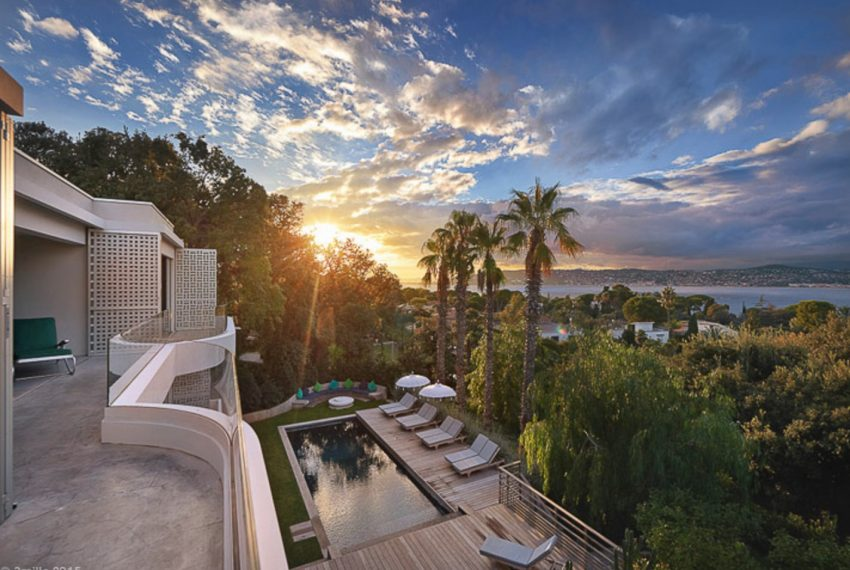 00001-ANTIBES-LUXURY-VILLA-COTE-AZUR-FRANCE