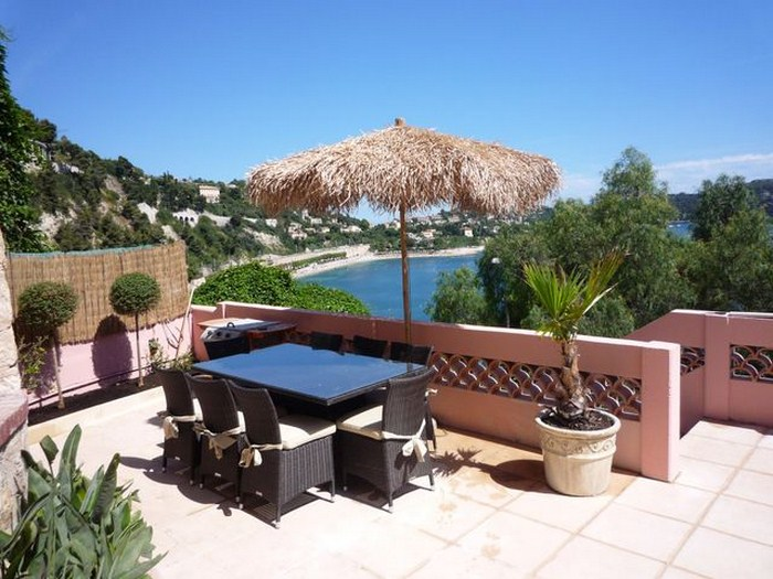SPLENDID VILLA ON VILLEFRANCHE