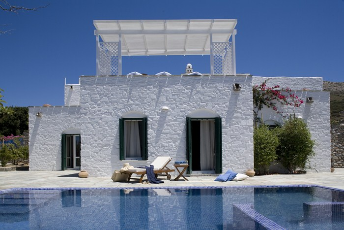 TERRACES ALL AROUND OFFER SPECTACULAR PANORAMIC VIEWS PAROS
