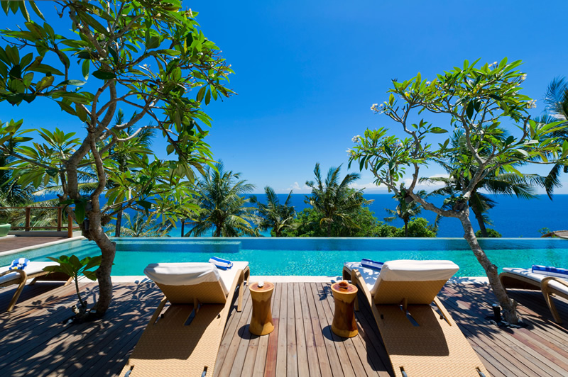 LUXURY VILLA  IN LOMBOK  INDONESIA