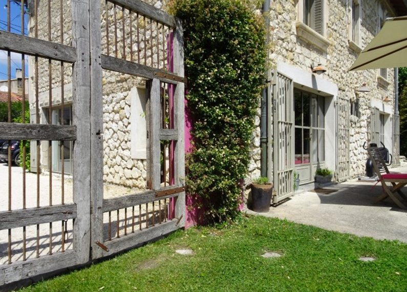 00001MAS-PROVENCE-NEAR-SAINT-REMY-FOR-SALE-