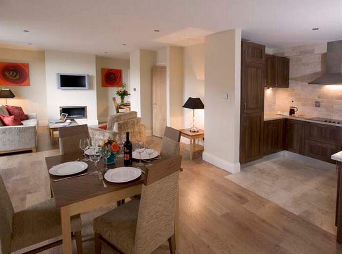 ONE & 2 BEDROOMS PENTHOUSES STEPHEN HALLS CENTRAL