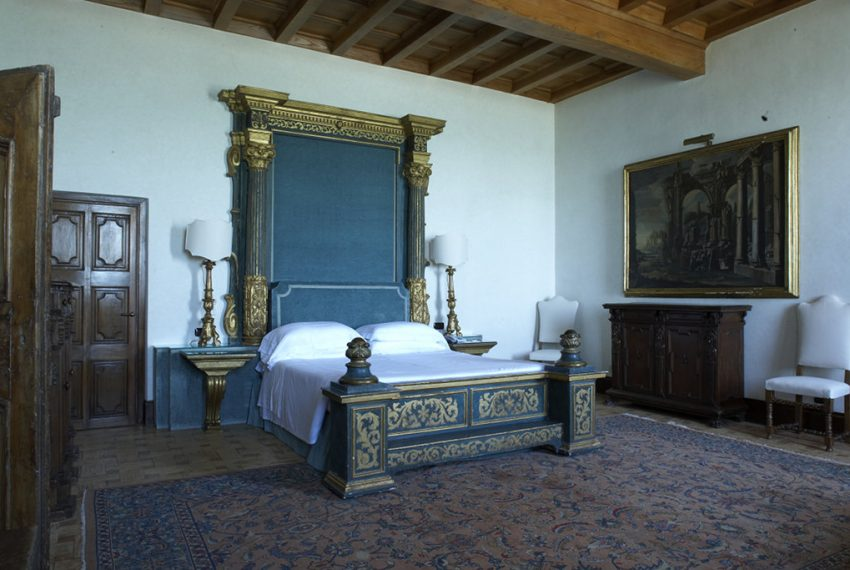 On the seafront and the doorstep of Rome, an opulent Estate Italy-4934