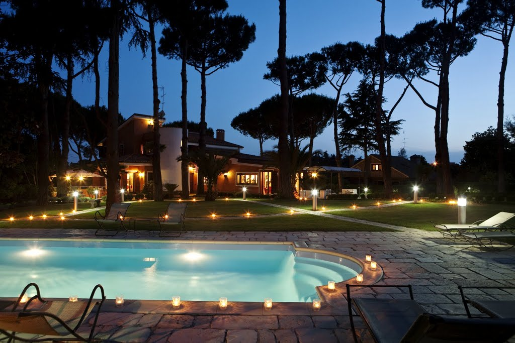 AN EXCEPTIONAL VILLA IN ROME