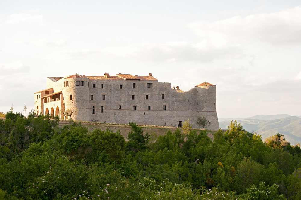 MAGNIFICENT 13th CENTURY CASTELLO IN UMBRIA ITALY