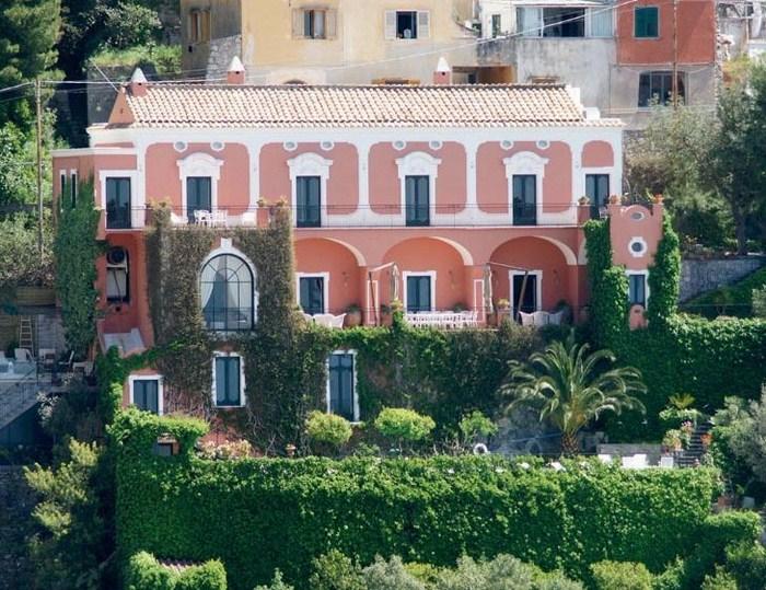 beautiful-villa-positano-amalfi-coast-1.jpg
