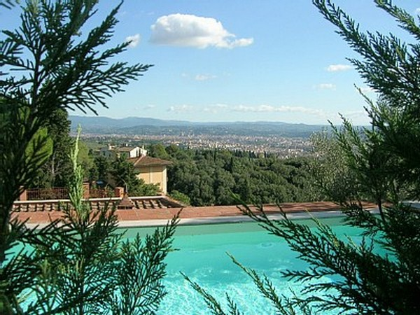 EXCLUSIVE VILLA WITH SWIMMING POOL TUSCANY
