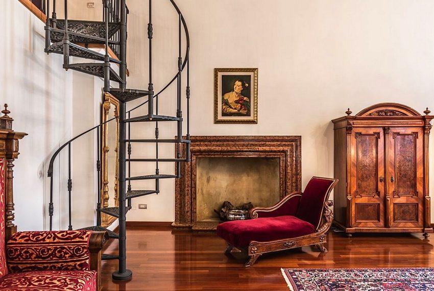 Luxury Apartment on Canal near Rialto Bridge Venice-020