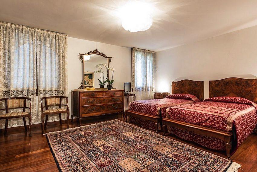 Luxury Apartment on Canal near Rialto Bridge Venice-028