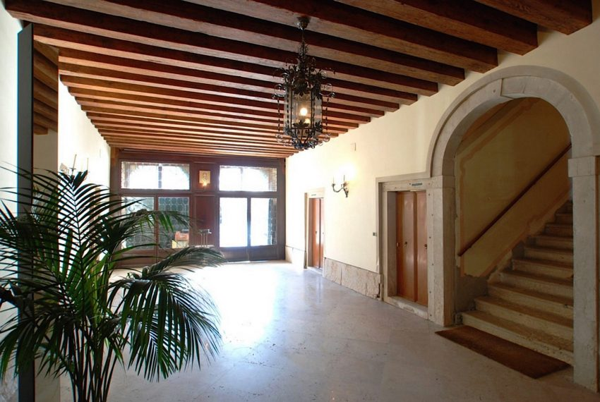 Luxury Accommodation in a 16th Century Palazzo Venice-001