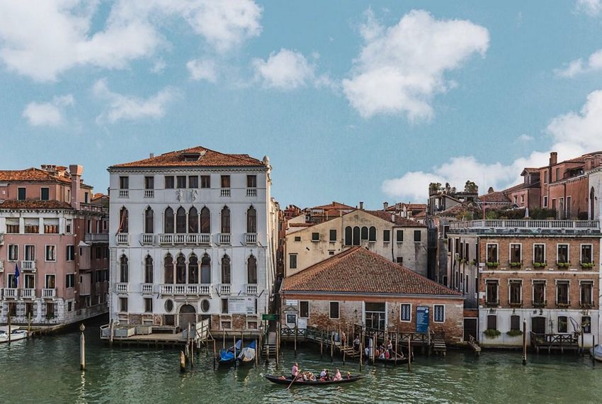 Luxury Accommodation in a 16th Century Palazzo Venice-005