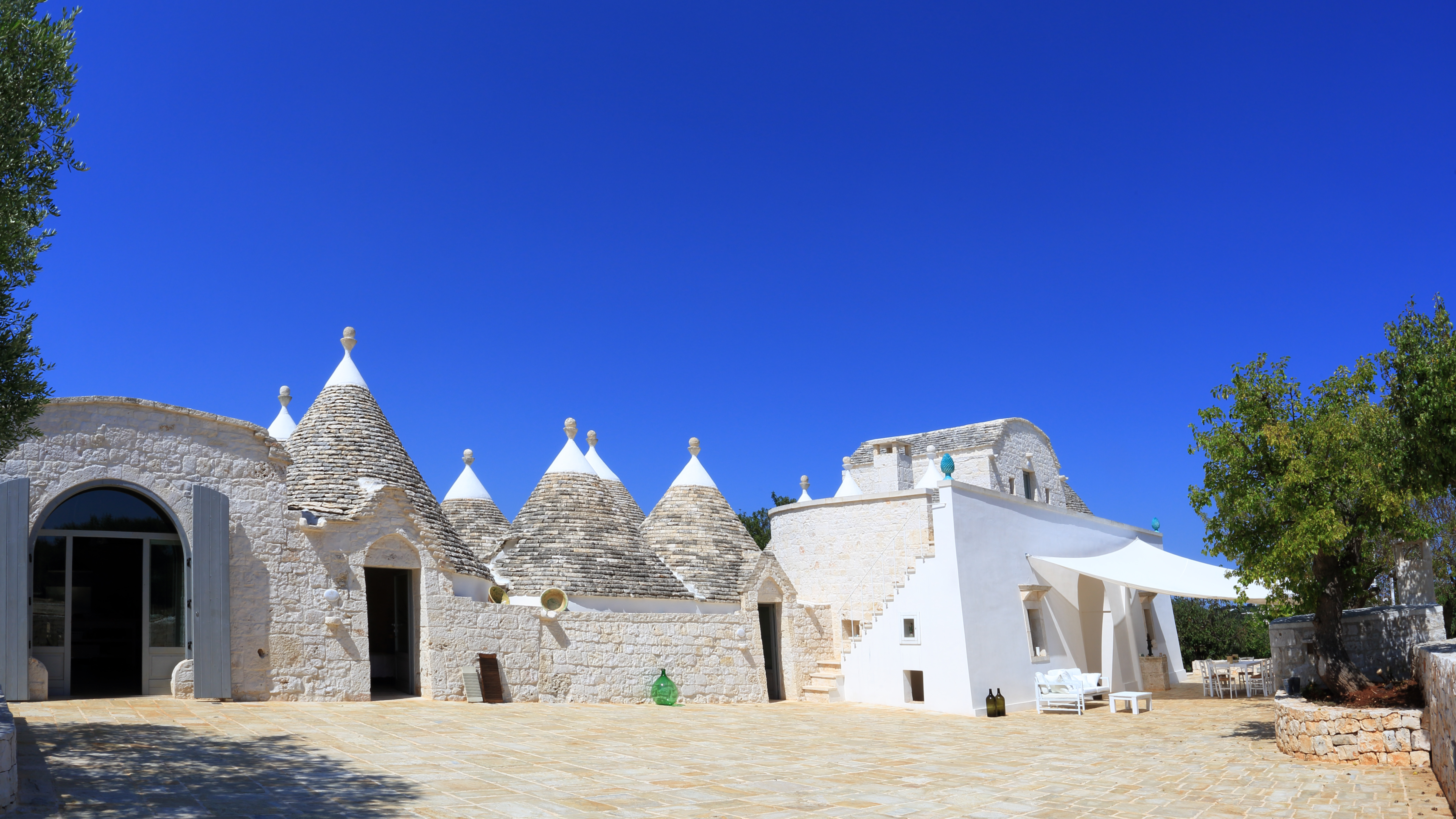 LUXURY PROPERTY IN PUGLIA 1HA ITALY