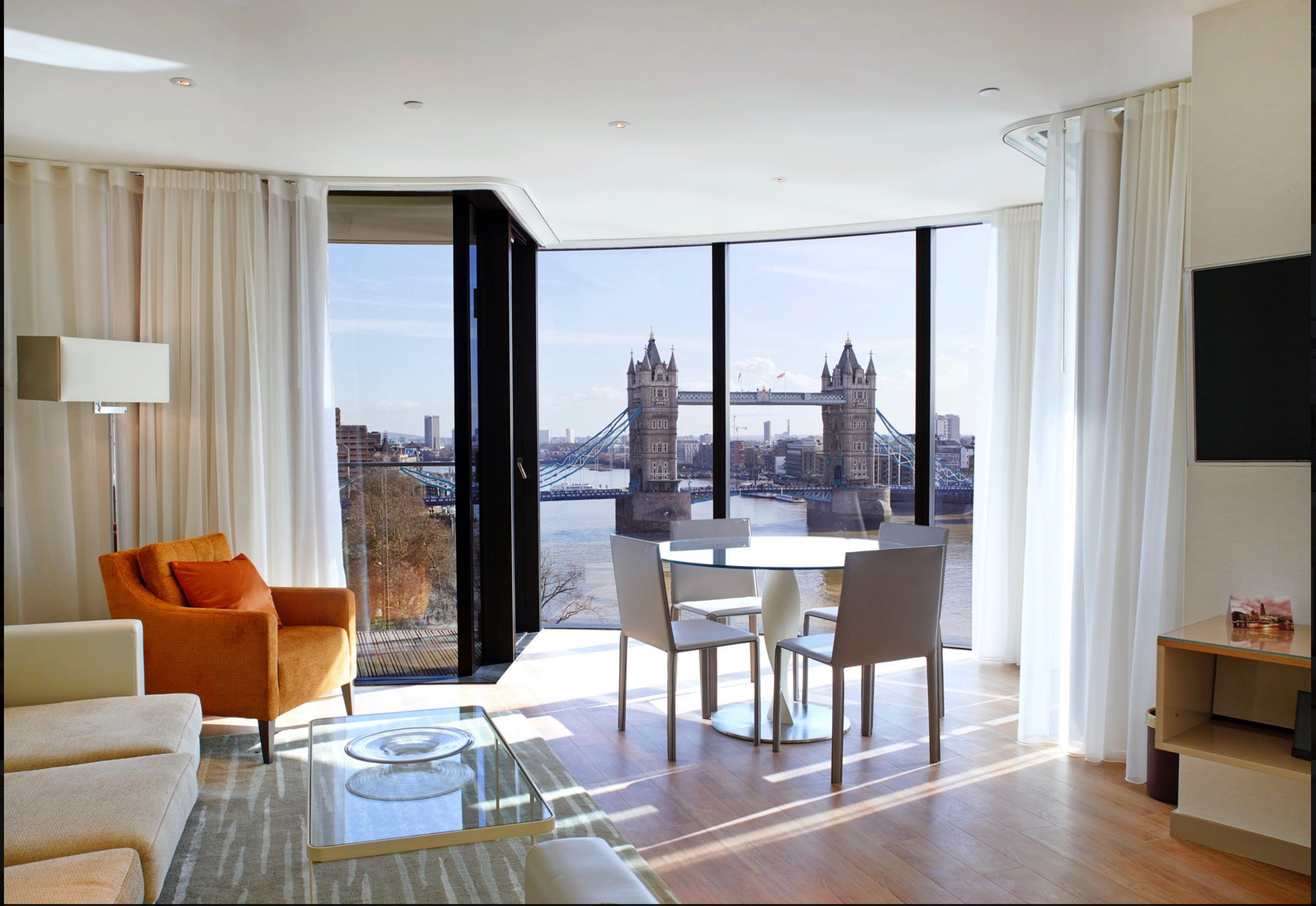 LUXURY LONDON WITH VIEW