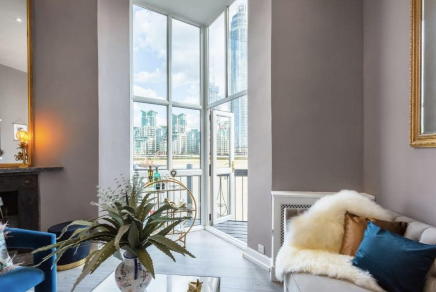 00004-PIMLICO-TERRACE-AND-VIEW-LONDON