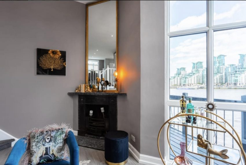 00005-PIMLICO-TERRACE-AND-VIEW-LONDON