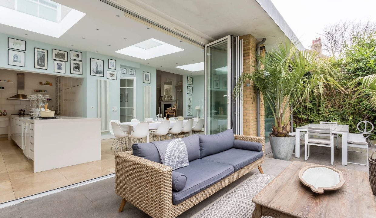 00022-LUXURY-VILLA-VACATION-RENTAL-LONDON