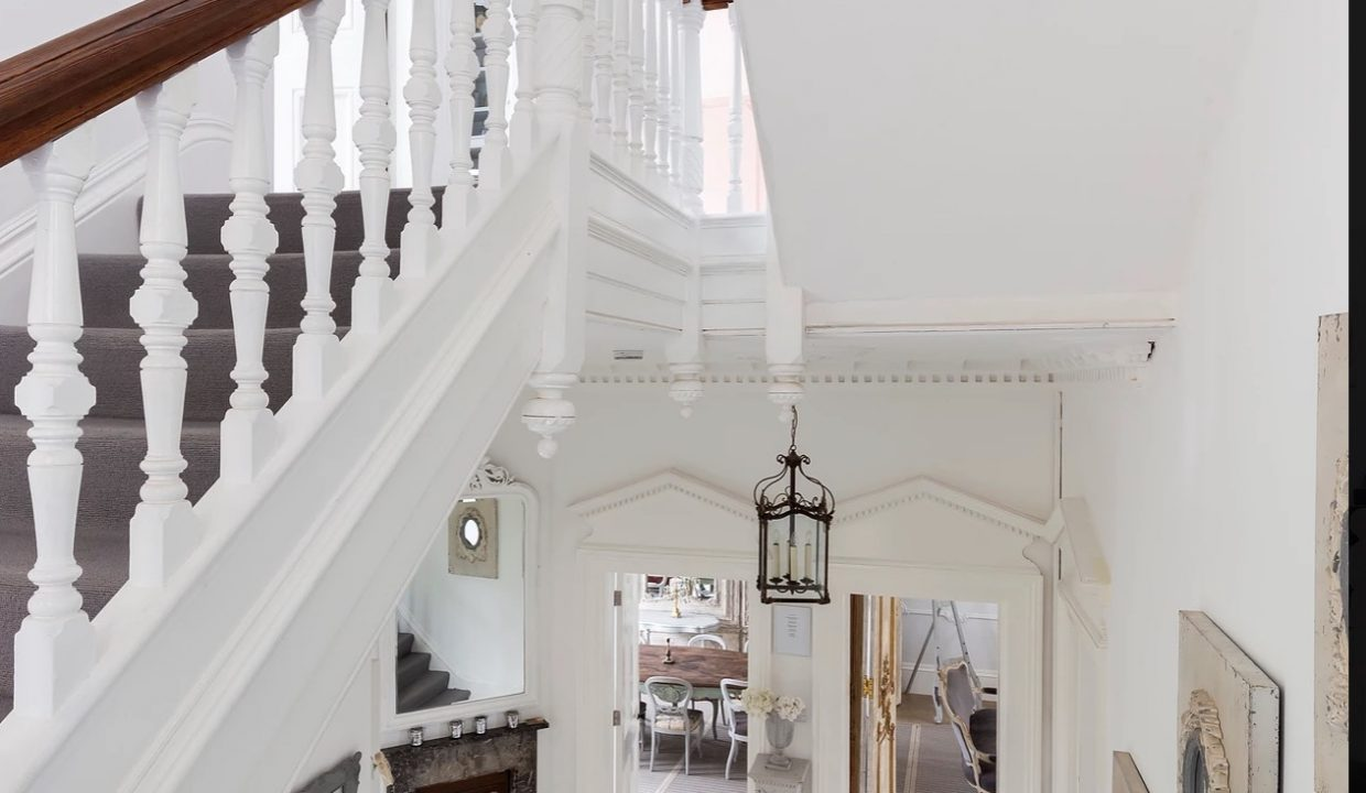 00019-SOUTH-LONDON-LUXURY-MANSION-FOR-20