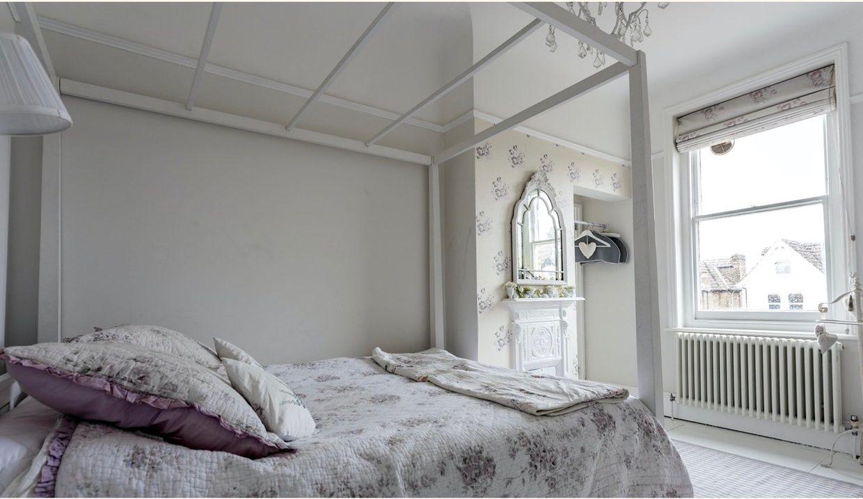00022-streatham-luxury-house