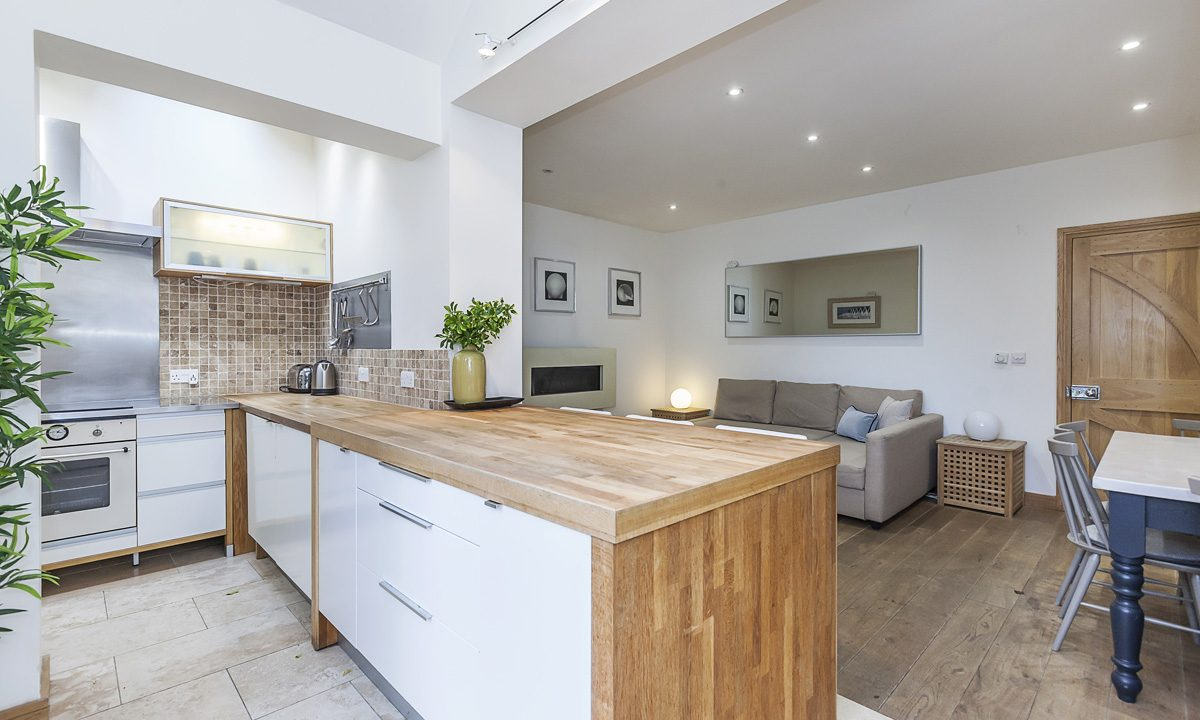 00015-EXTRAORDINARY-PROPERTY-NEAR-LONDON