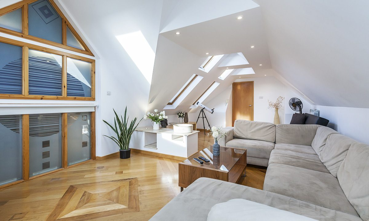 00026-EXTRAORDINARY-PROPERTY-NEAR-LONDON