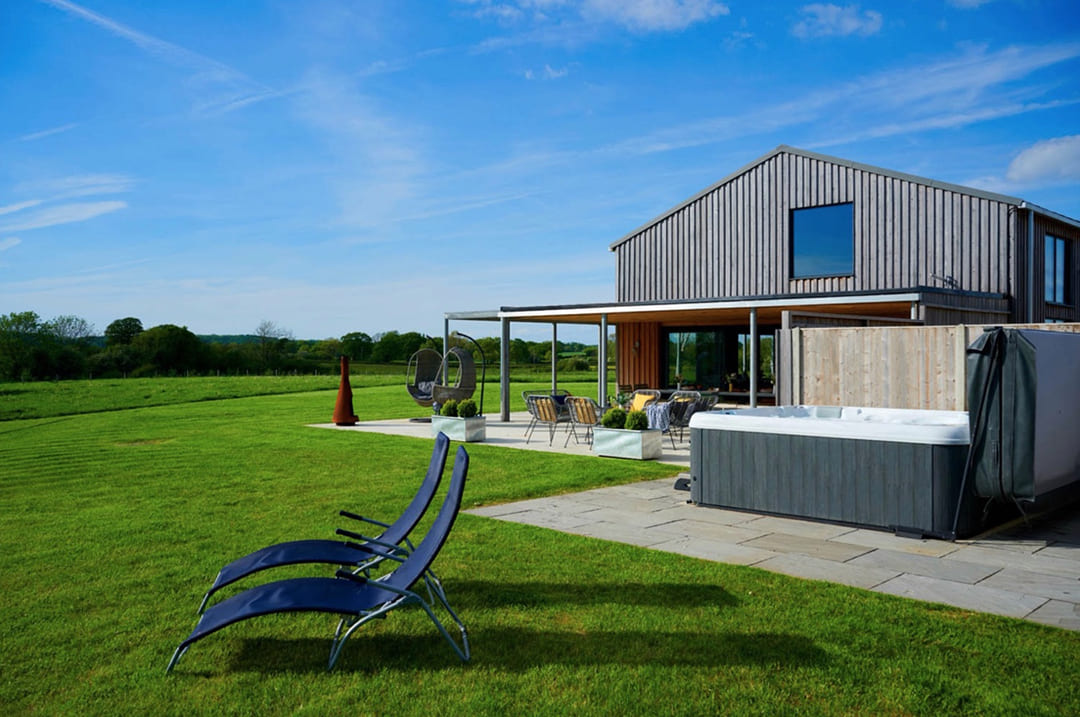 00006-luxury-barn-in-the-country