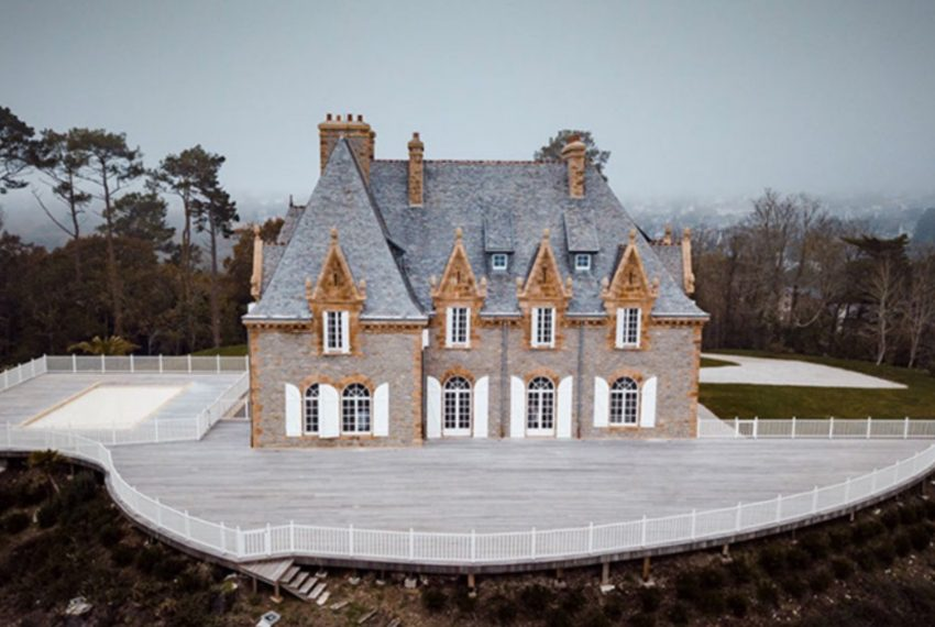 00002-luxe-apartmentsrentals-Beautiful-castle-for-rent-in-Brittany-Finistere