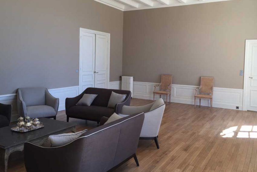 00010-luxe-apartmentsrentals-Beautiful-castle-for-rent-in-Brittany-Finistere