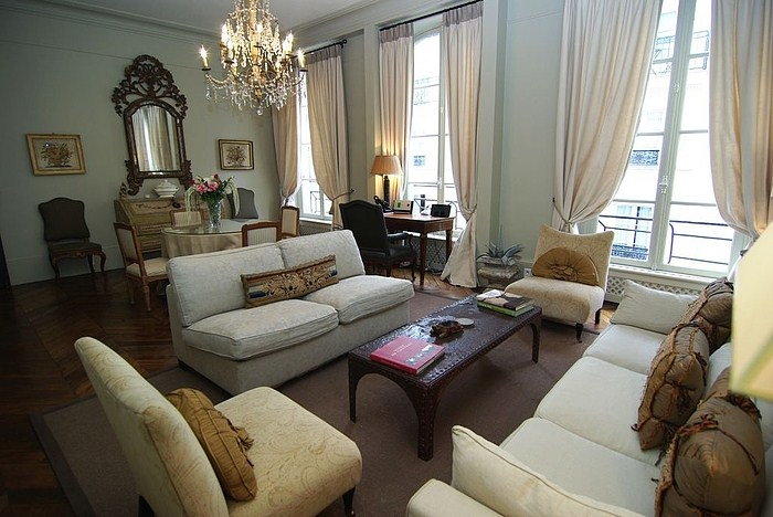 EXCLUSIVE STUNNING MARAIS APARTMENT