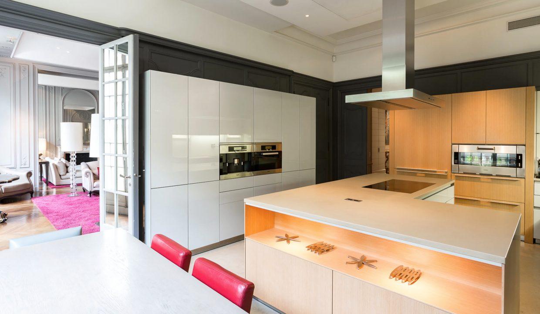 00012-exclusive-apartment-paris-for-10