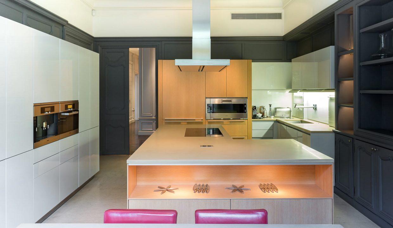 00013-exclusive-apartment-paris-for-10