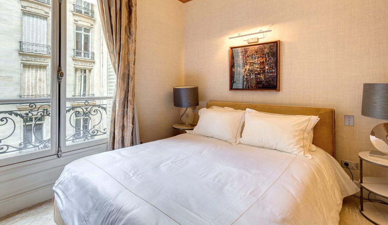 00023-exclusive-apartment-paris-for-10