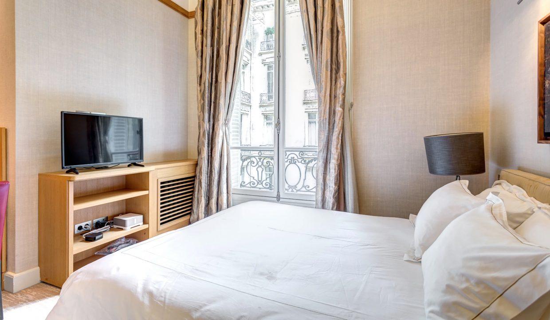 00025-exclusive-apartment-paris-for-10