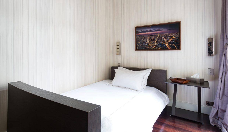00028-exclusive-apartment-paris-for-10