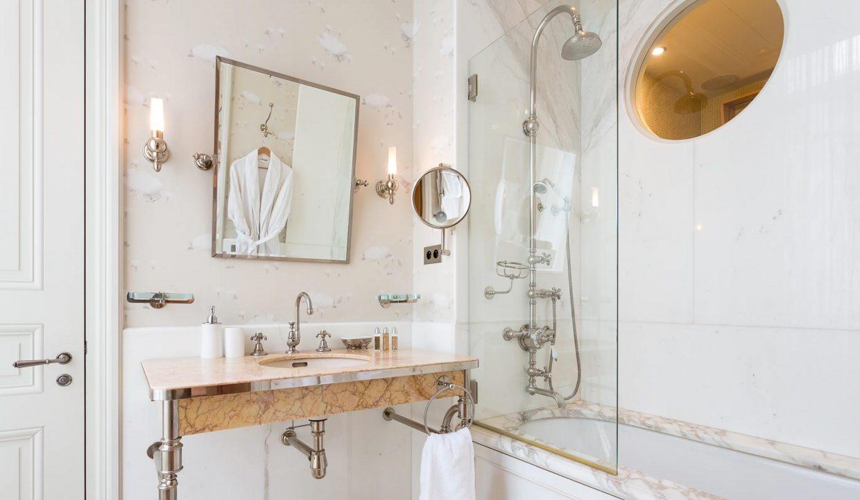 00030-exclusive-apartment-paris-for-10