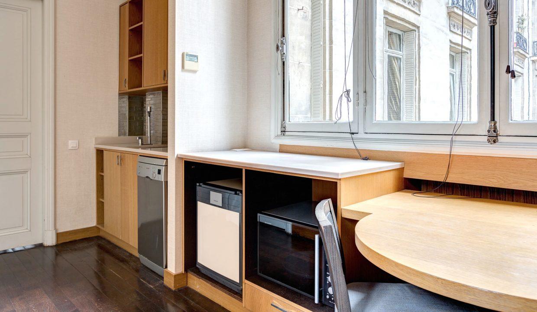 00035-exclusive-apartment-paris-for-10