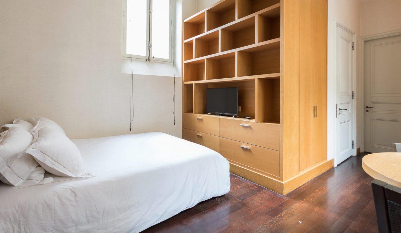 00037-exclusive-apartment-paris-for-10