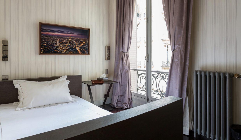 00038-exclusive-apartment-paris-for-10