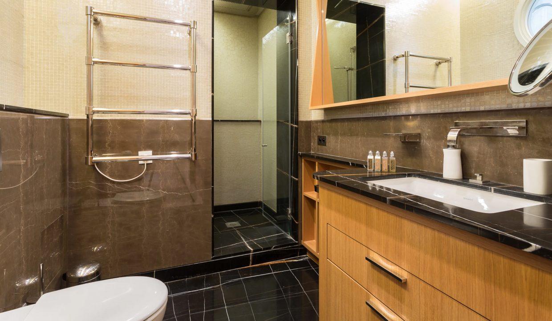 00040-exclusive-apartment-paris-for-10