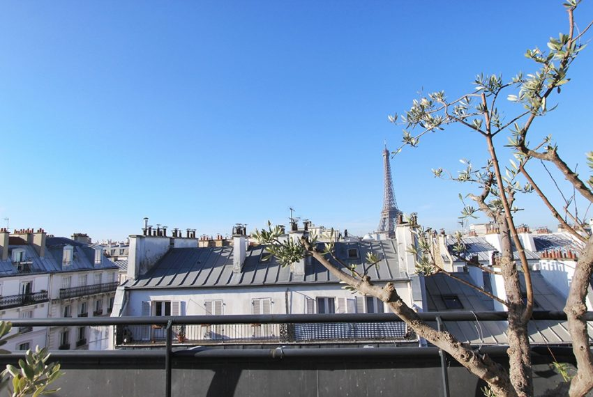 26975-eiffel-tower-terrace