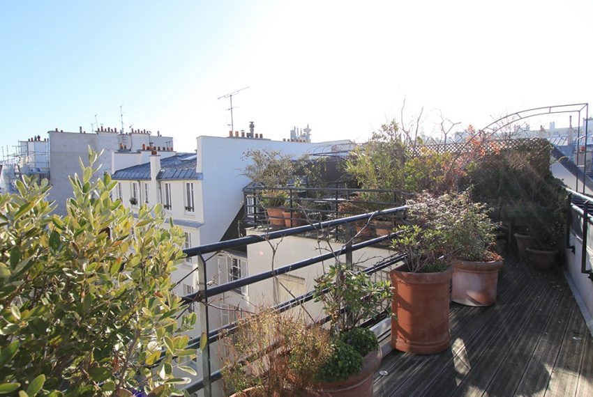 26980-eiffel-tower-terrace